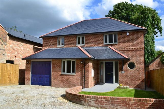 Thumbnail Detached house for sale in Main Street, Chaddleworth, Berkshire