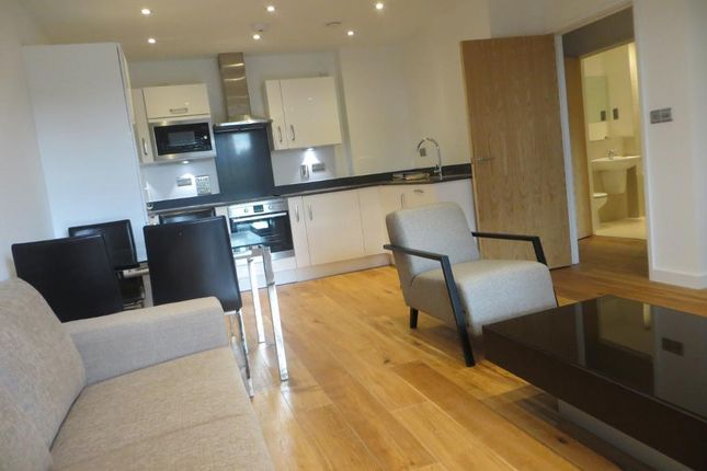 1 bed flat to rent in The Peltons, 49 Commerell Street, Maze Hill, London