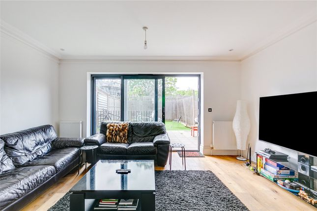 Thumbnail Terraced house for sale in Campdale Road, London