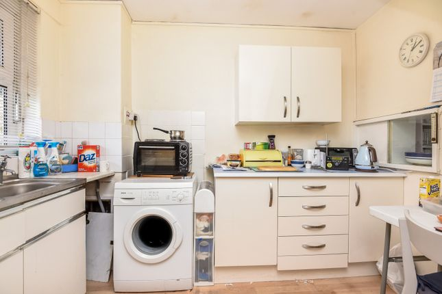 Kitchen of Barringer Square, London SW17