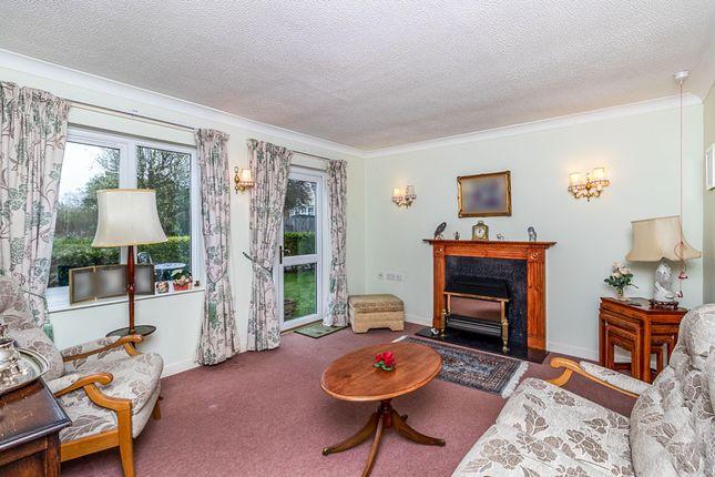Living Room of Dovehouse Close, Linton, Cambridge CB21