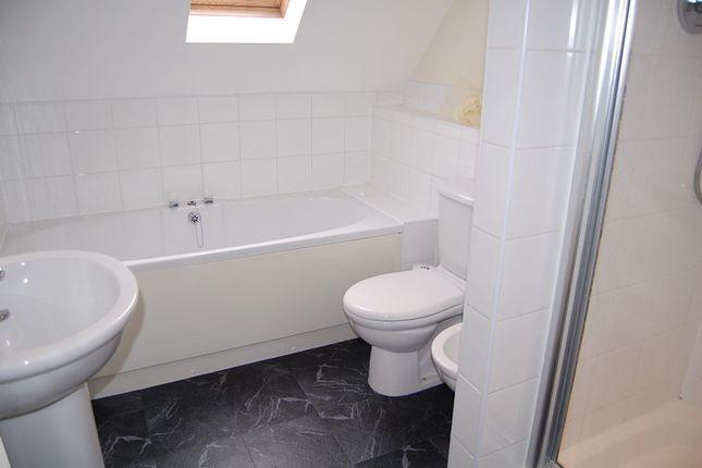 Bathroom of Belper Road, Derby DE1