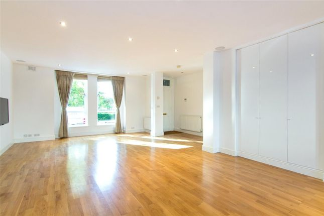 Thumbnail Flat for sale in Tedworth Square, London