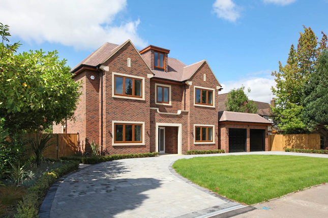 Thumbnail Detached house for sale in Woodlands Glade, Beaconsfield