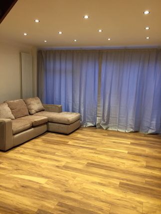 2 bed terraced house to rent in South Harrow, South Harrow