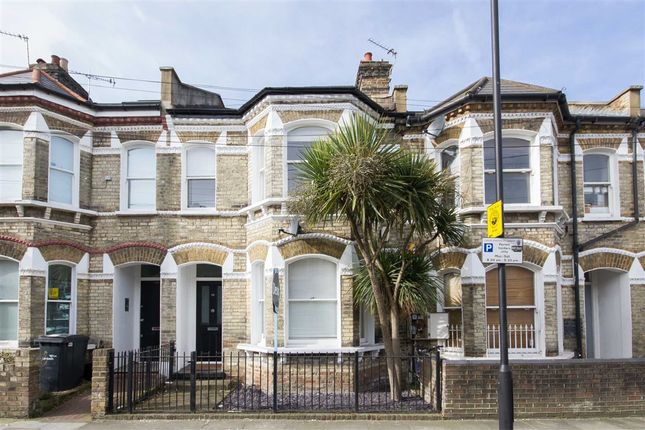 Thumbnail Property to rent in Ballater Road, London