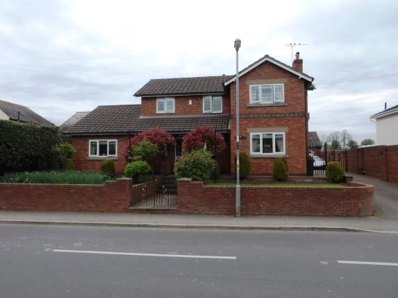 Thumbnail Detached house for sale in Church Road, Saughall, Chester