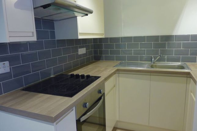 Thumbnail Flat to rent in Flat 3 Heritage Court, Fore Street, Bodmin