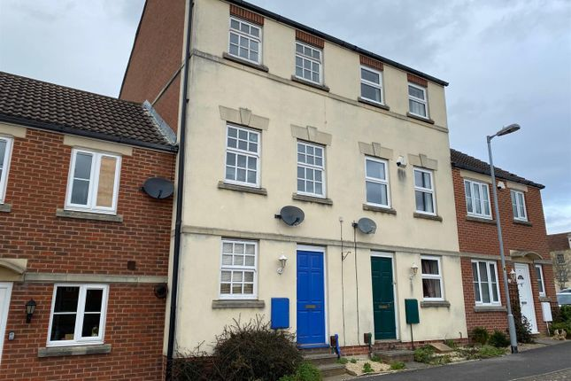 3 bed terraced house to rent in Taylors View, Trowbridge BA14