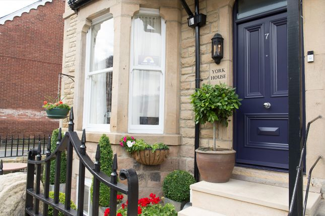 Thumbnail Town house for sale in Mount Parade, Harrogate, North Yorkshire