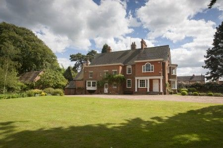Thumbnail Country house to rent in The Heathlands, South Road, Clifton Upon Dunsmore, Rugby