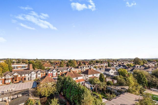 2 bed flat for sale in Barns Road, Oxford OX4