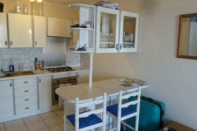 Thumbnail 1 bed flat to rent in Eagle Heights, Bramlands Close, Clapham Junction