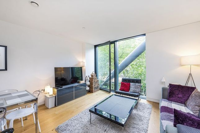 Thumbnail Flat for sale in Sumner Street, London