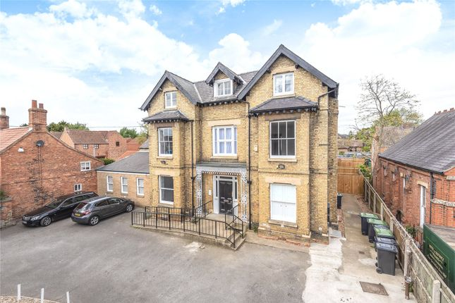 Thumbnail Flat for sale in Laundon House, Eastgate