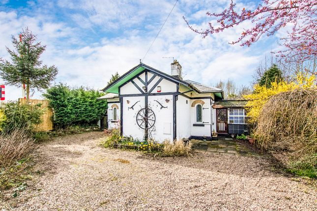Thumbnail Detached bungalow for sale in Staythorpe Road, Staythorpe, Newark