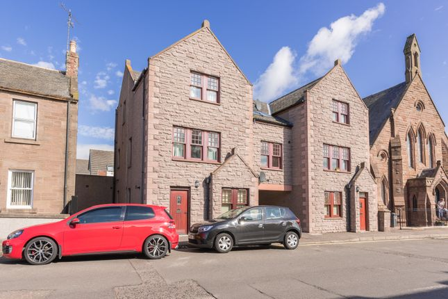 Thumbnail Flat for sale in New Wynd, Montrose