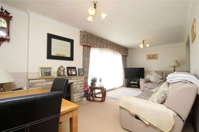 Living Room of Holyrood Close, Ipswich, Suffolk IP2