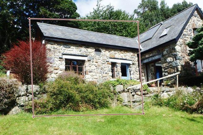 Thumbnail Flat to rent in Llanegryn, Tywyn