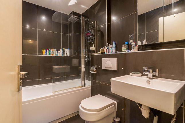 Bathroom of Kenyon Street, Hockley, Birmingham B18