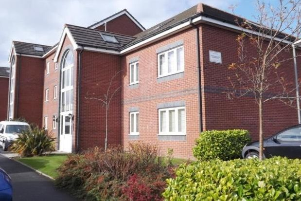 2 bed flat to rent in Pankhurst Close, Guide, Blackburn