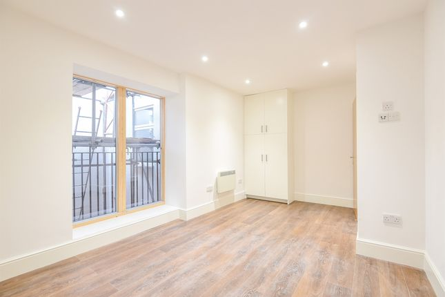 Thumbnail Flat for sale in High Street, Epsom