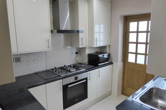 Thumbnail Terraced house to rent in Kingsley Road, Hounslow
