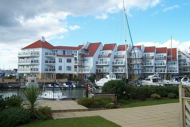 Thumbnail Flat for sale in Lake Avenue, Hamworthy, Poole