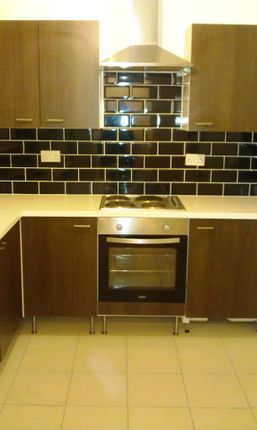 Thumbnail Flat to rent in Bunkers Lane, Staincliffe, Batley