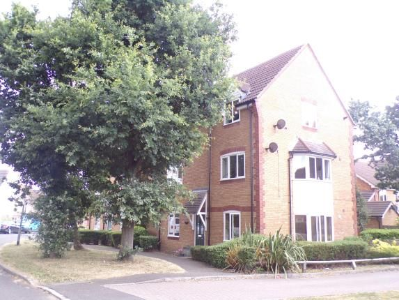 Thumbnail Flat for sale in Forest Glade, Langdon Hills, Basildon