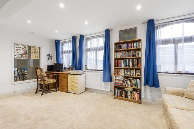 Bedroom of Cameron Road, Chesham HP5