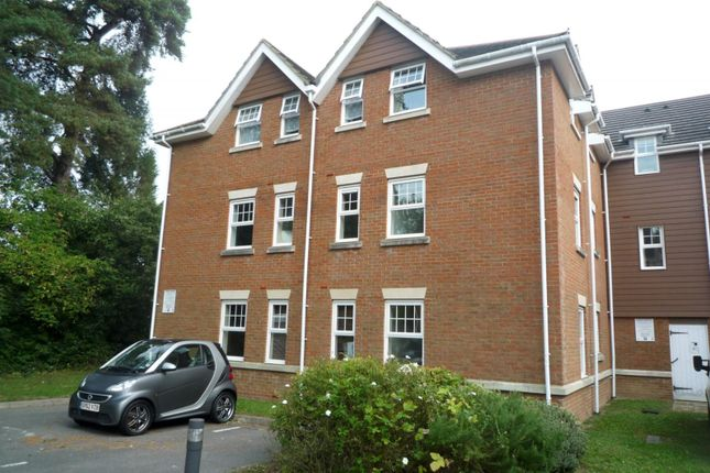 Thumbnail Flat to rent in Jacobs Court, Worth Park Avenue, Crawley