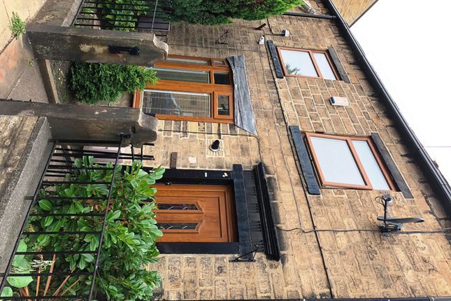 Thumbnail Property to rent in Town Street, Farsley, Pudsey