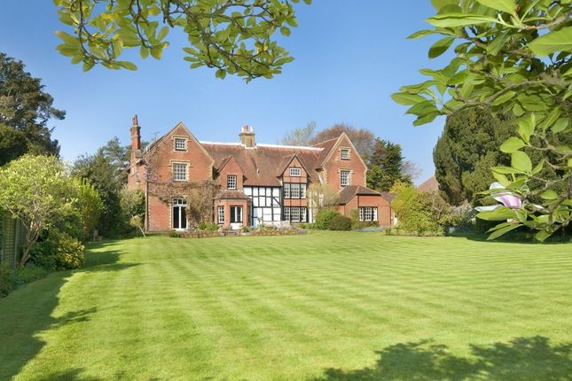 Thumbnail Country house for sale in Edward Gardens, Bedhampton, Havant