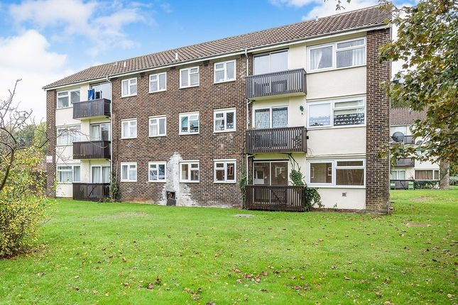 1 bed flat to rent in Crombie Close, Cowplain, Waterlooville PO8
