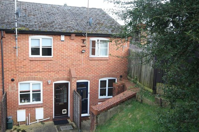2 bed terraced house to rent in Chestnut Cottages, Mitre Street, Buckingham
