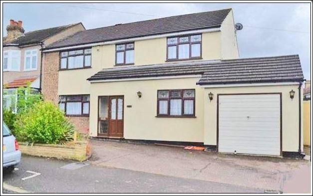 Thumbnail Semi-detached house for sale in Riversdale Road, Colier Row