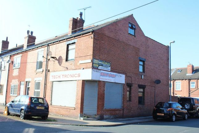 Thumbnail Flat to rent in Ambler Street, Castleford