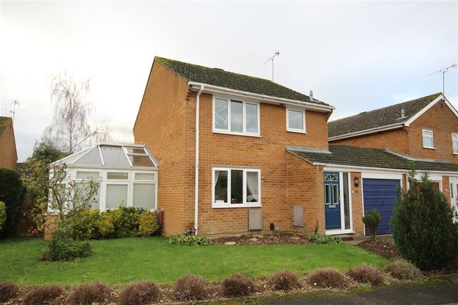 Thumbnail Link-detached house to rent in Hurst Park Road, Twyford, Reading