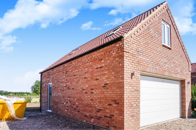 Double Garage of Main Street, Fulstow, Louth LN11