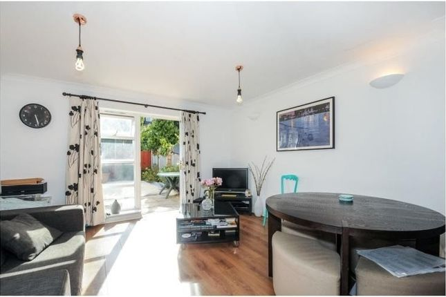 Thumbnail Town house to rent in Peckham Grove, Camberwell