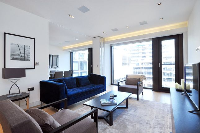 Thumbnail Flat for sale in Roman House, London