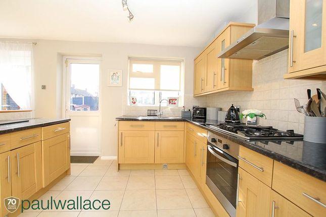 Kitchen of Richmond Close, Cheshunt, Waltham Cross EN8