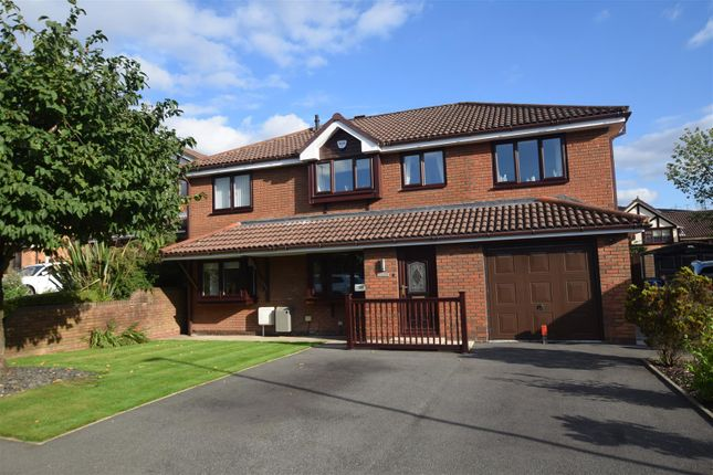 Thumbnail Detached house for sale in Shawfields, Stalybridge