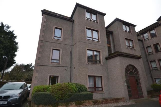 2 bed flat to rent in Dunkeld Road, Perth