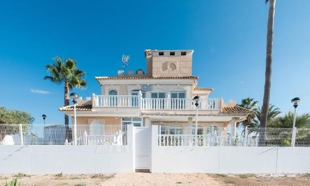 Thumbnail Chalet for sale in La Manga, Murcia, Spain