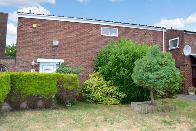 Thumbnail Detached house for sale in Long Banks, Harlow