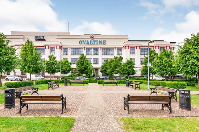 Thumbnail Flat for sale in Ovaltine Court, Ovaltine Drive, Kings Langley, Hertfordshire