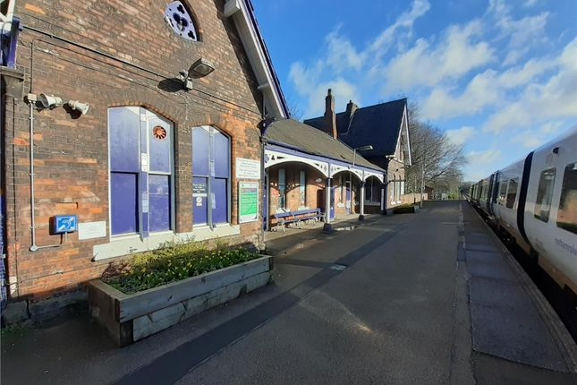 Restaurant/cafe to let in Padgate Railway Station, Station Road South, Warrington, Cheshire