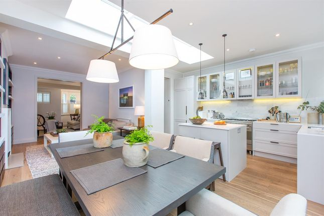 4 bed semi-detached house for sale in Graemesdyke Avenue, London